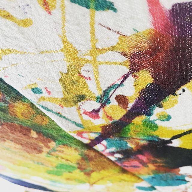 傘の一部です。天井からぶら下げてみました^^#0CAFEINN #山本玄匠 #祇園 #京都 #祇園カフェ #祇園ゲストハウス #GensyoYamamoto #gionkyoto #gioncafe #gionguesthouse #kyotocafe #kyotoguesthouse